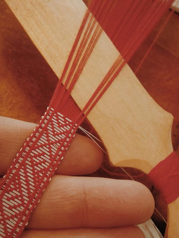 vikingatid, brickvävt, brickband, silke, silver