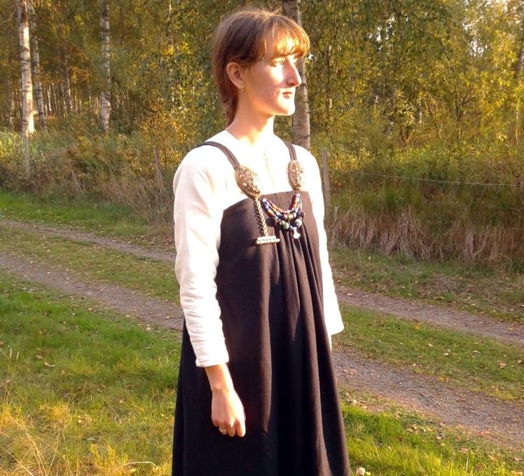 køstrup, hängselkjol, smokkr, apron dress